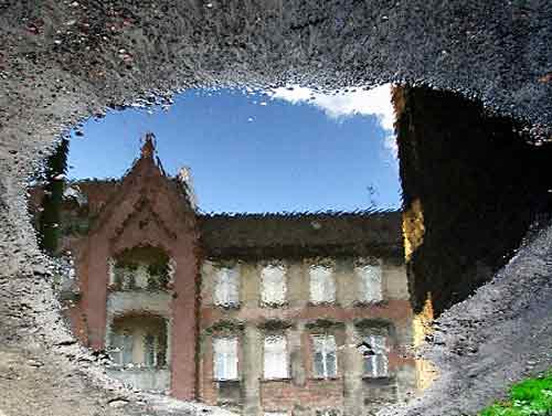 kamienica w kaluzy, katowice, warszawska